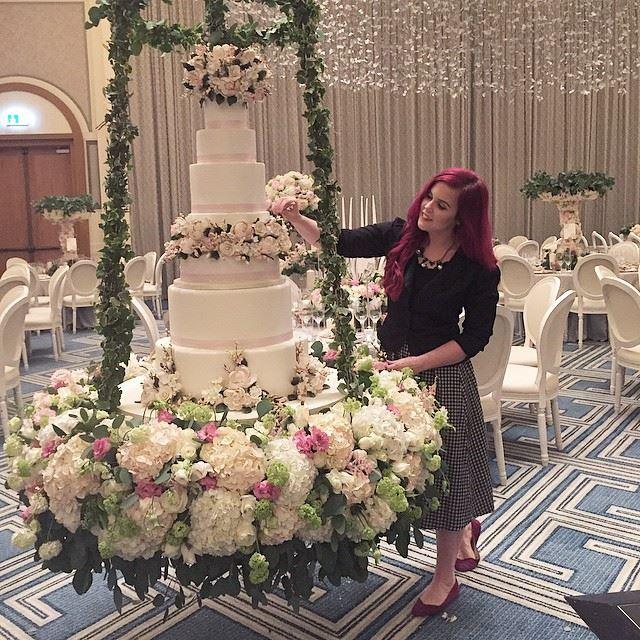 Dubai-wedding-cake-Abu-dhabi-caketress-lori-hutchinson