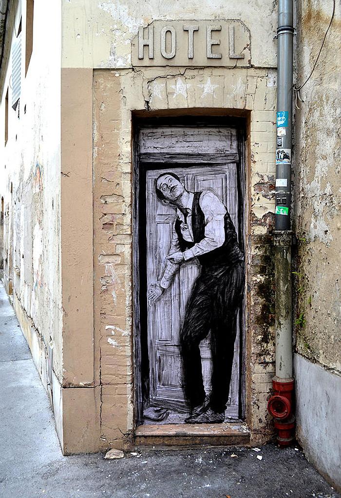 Стрит-арт от Чарльза Леваля