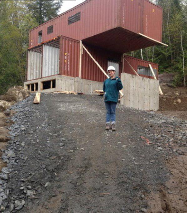 Как своими руками построить дом из контейнеров видео