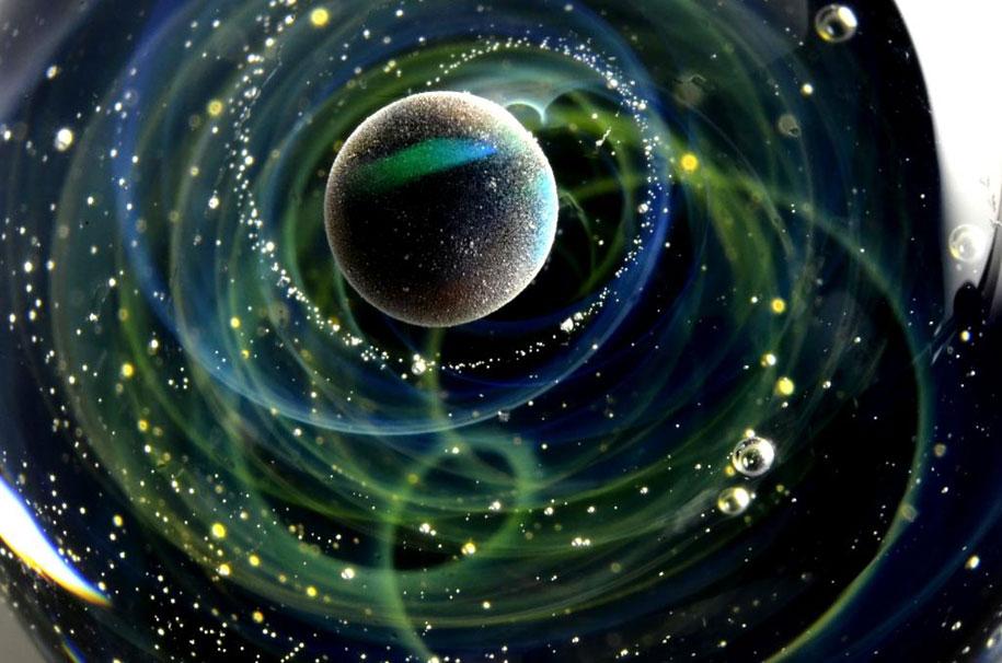 planets-galaxy-glass-pendants-space-glass-satoshi-tomizu-5