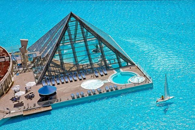 largest-pool-2-640x426