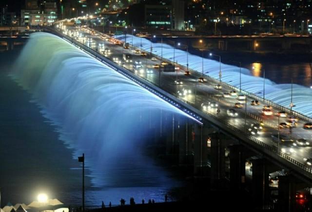 Самые завораживающие фонтаны в мире-13
