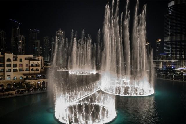 Самые завораживающие фонтаны в мире-5