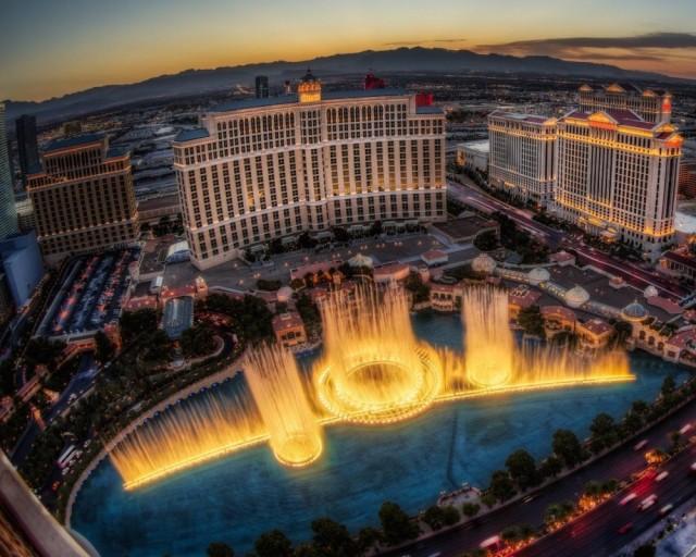 Самые завораживающие фонтаны в мире-6