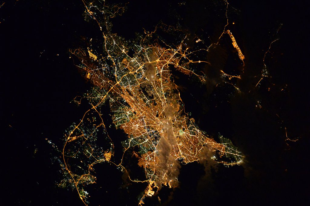 Завораживающий вид ночных городов с МКС.