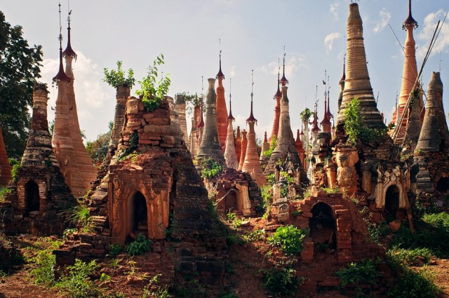 Shwe-Indein-Pagoda-1