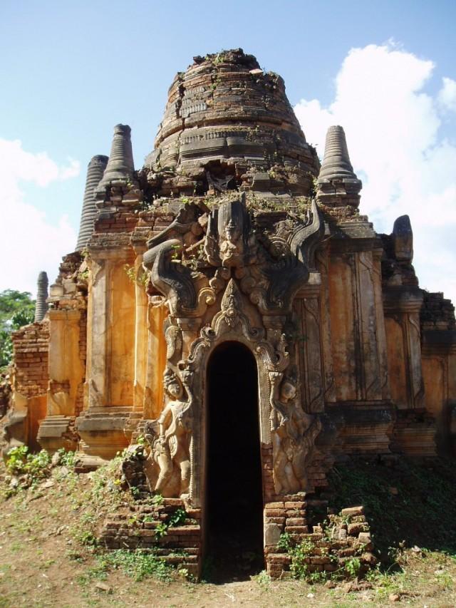 Shwe-Indein-Pagoda-11