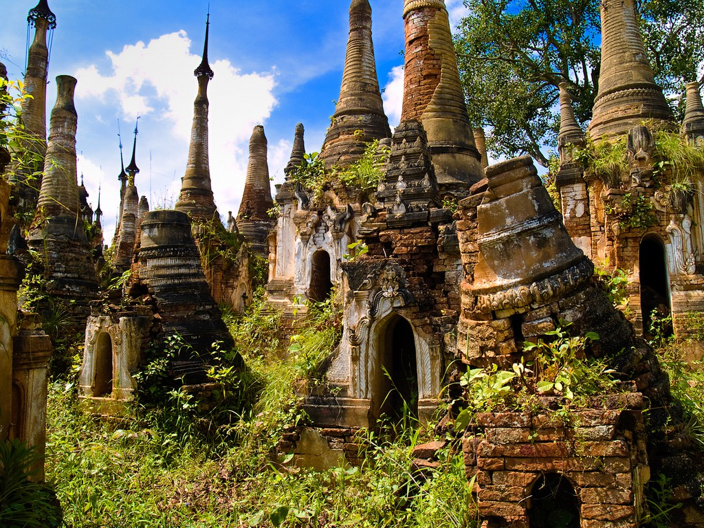 Shwe-Indein-Pagoda-16