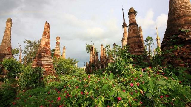 Shwe-Indein-Pagoda-2