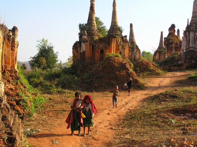 Shwe-Indein-Pagoda-7