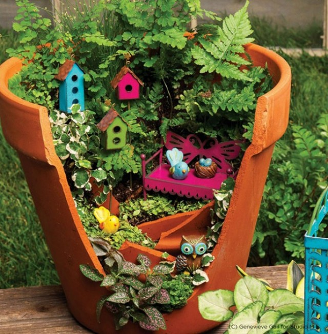 broken-pot-fairy-garden-11