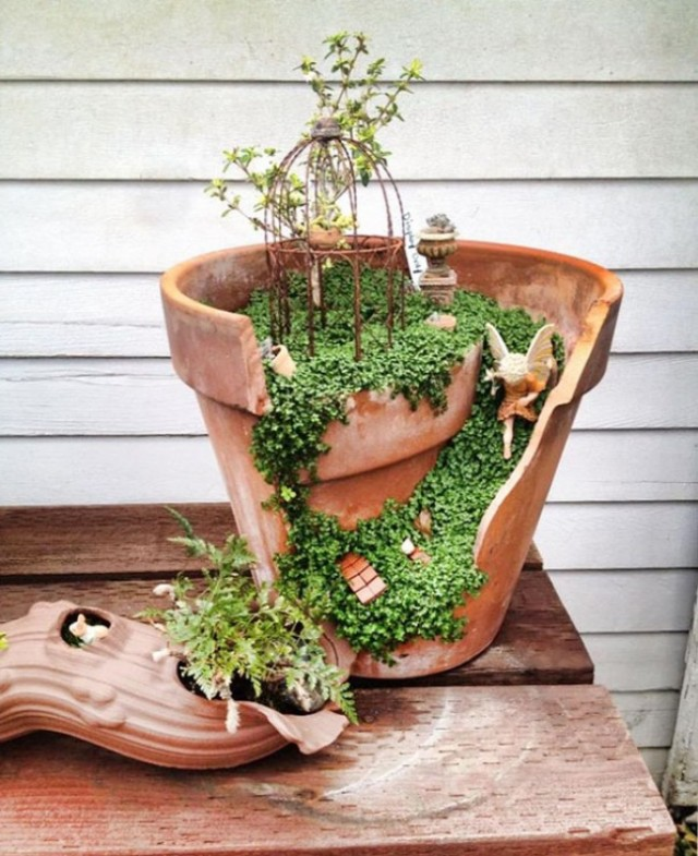broken-pot-fairy-garden-2