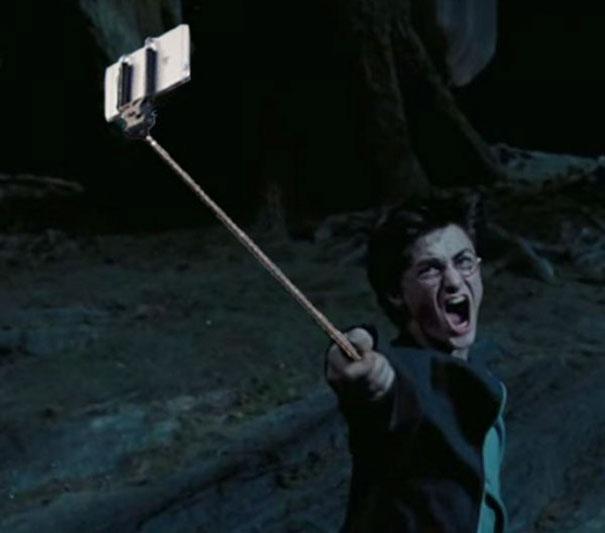 guns-selfie-sticks-2