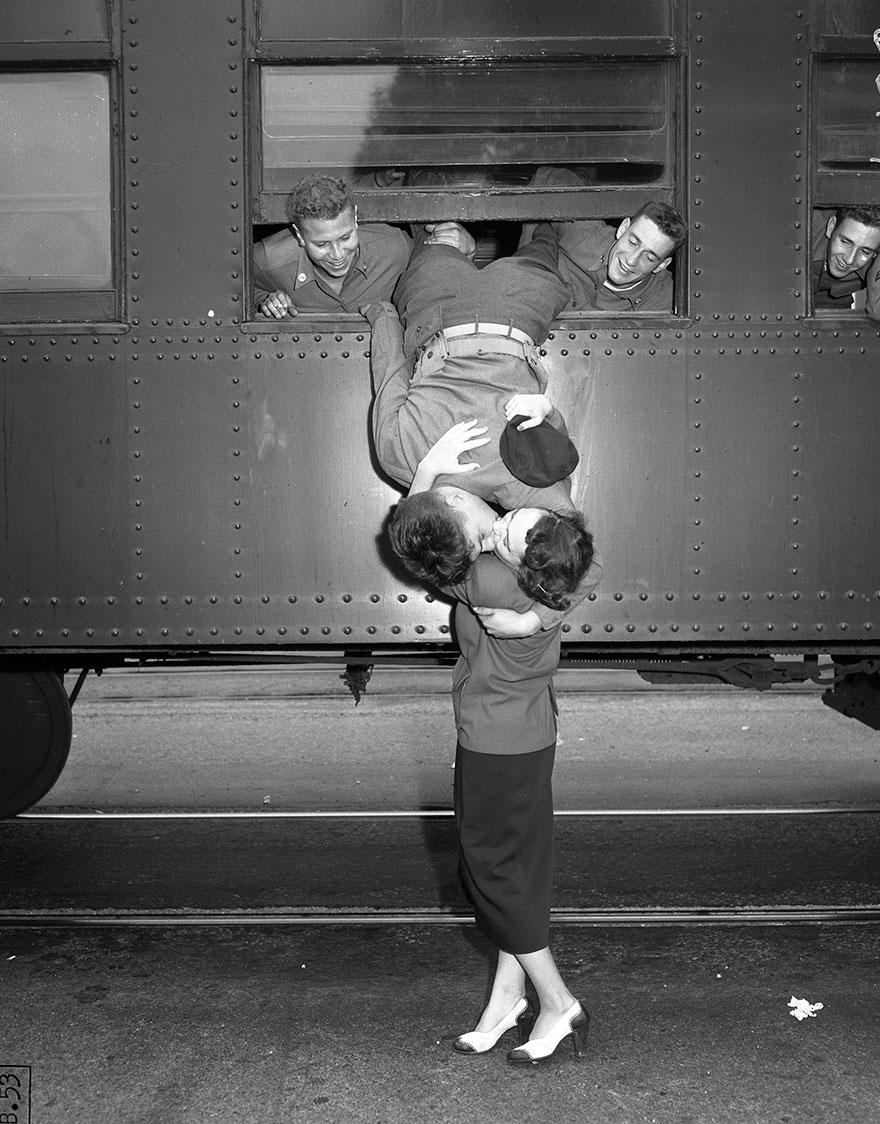 old-photos-vintage-war-love-1