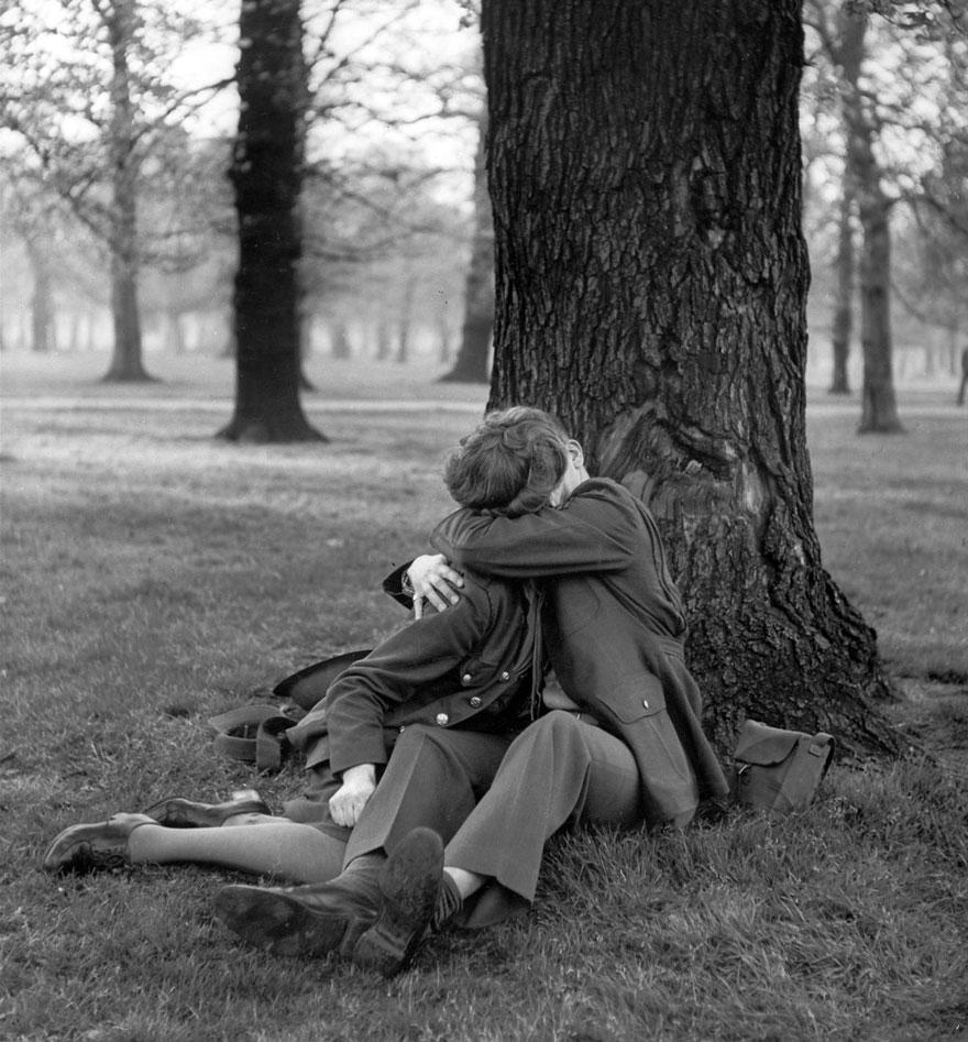 old-photos-vintage-war-love-18