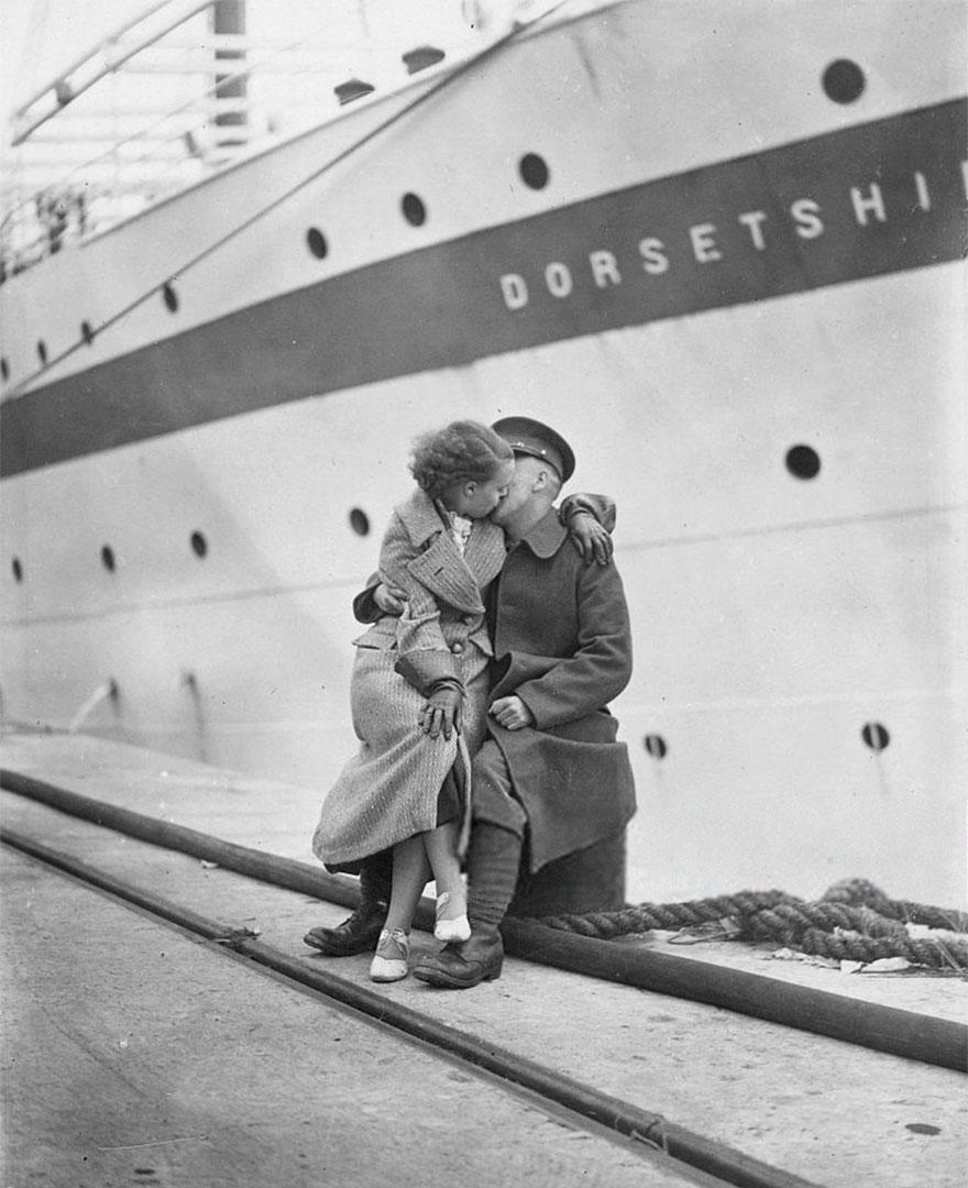 old-photos-vintage-war-love-23