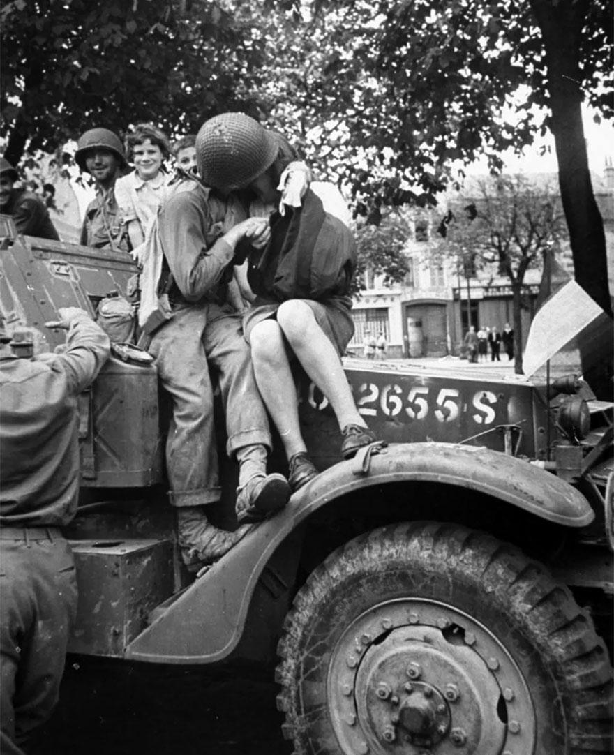 old-photos-vintage-war-love-29