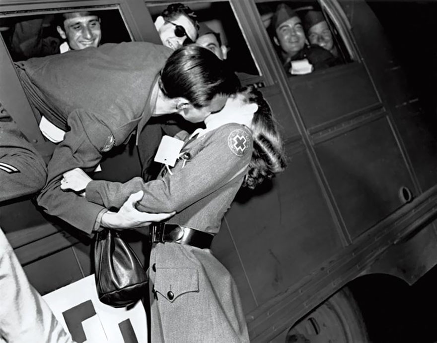 old-photos-vintage-war-love-30