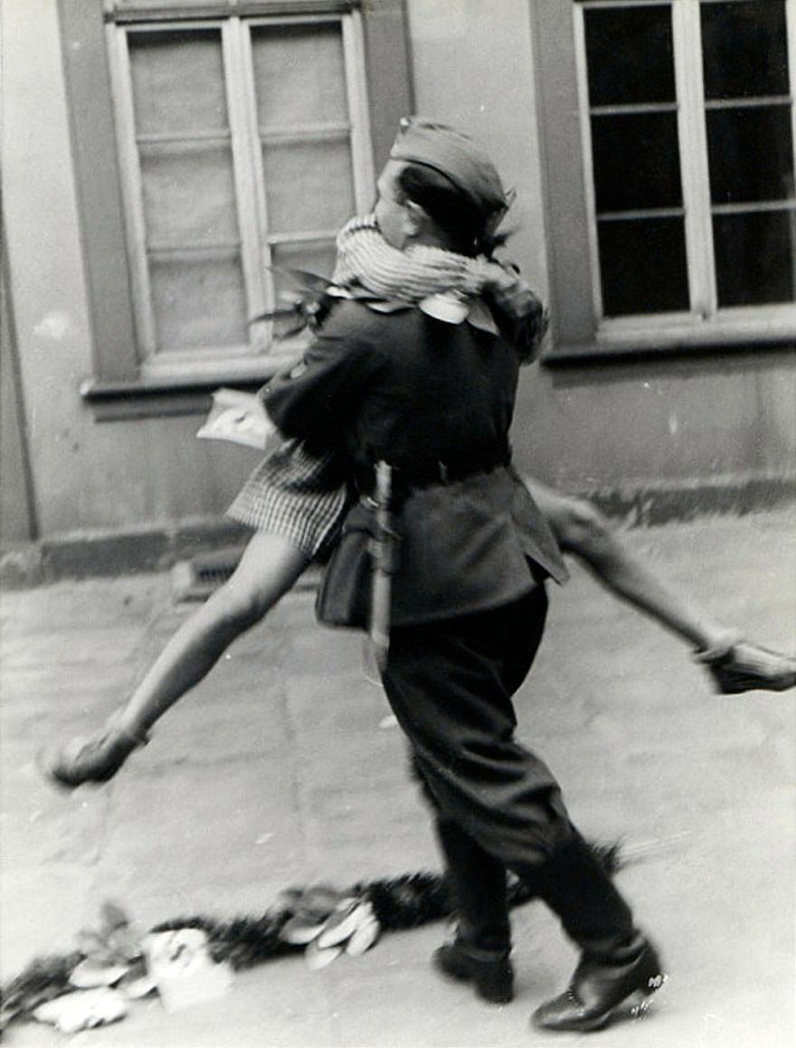 old-photos-vintage-war-love-8