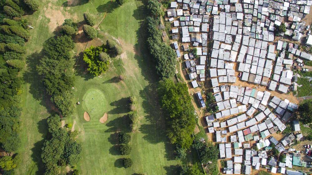 Разрыв между богатыми и бедными в ЮАР.