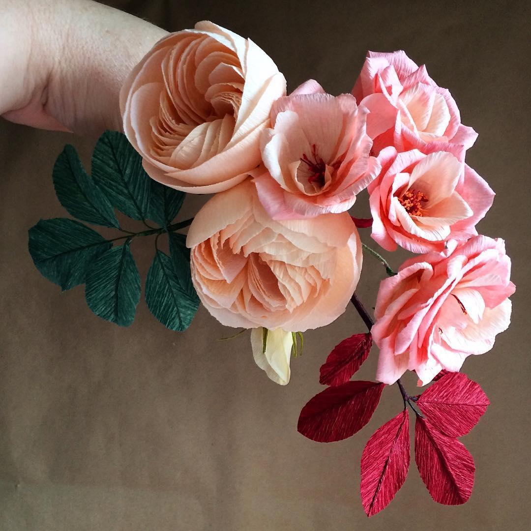 Реалистичные цветы из бумаги