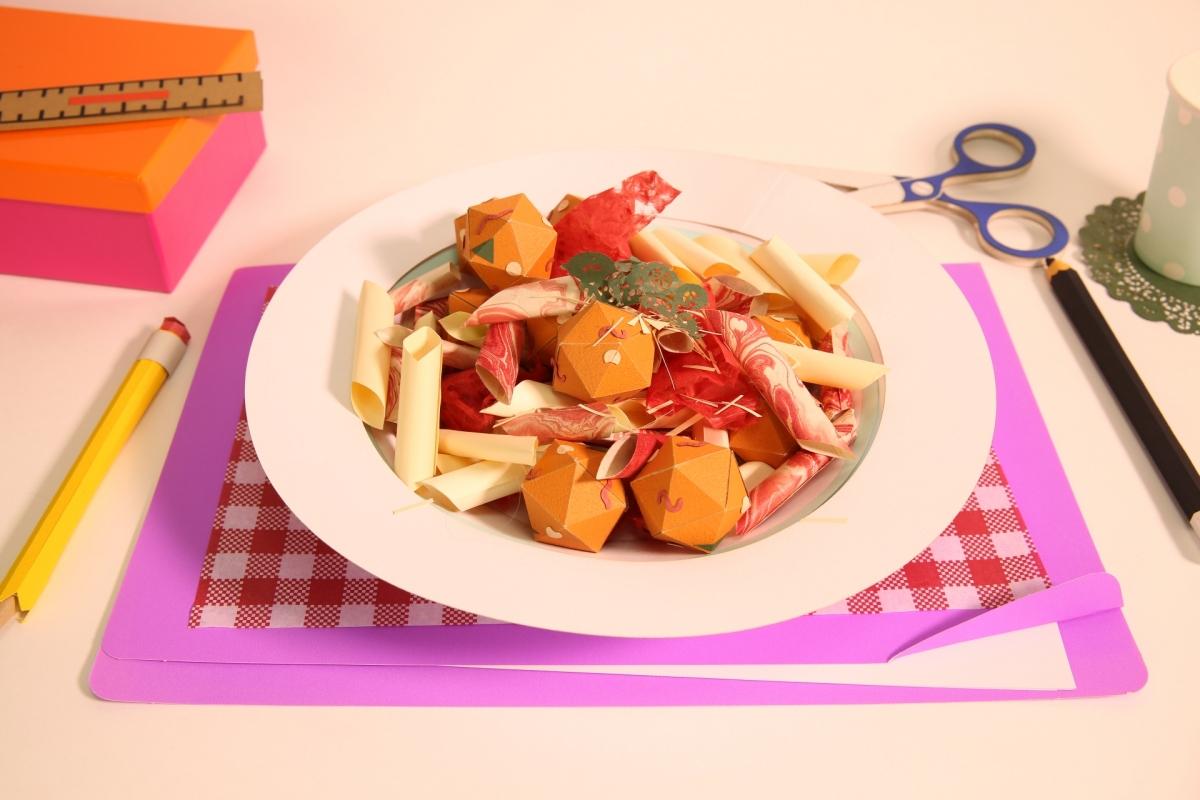 Видео-рецепты из бумажной еды.