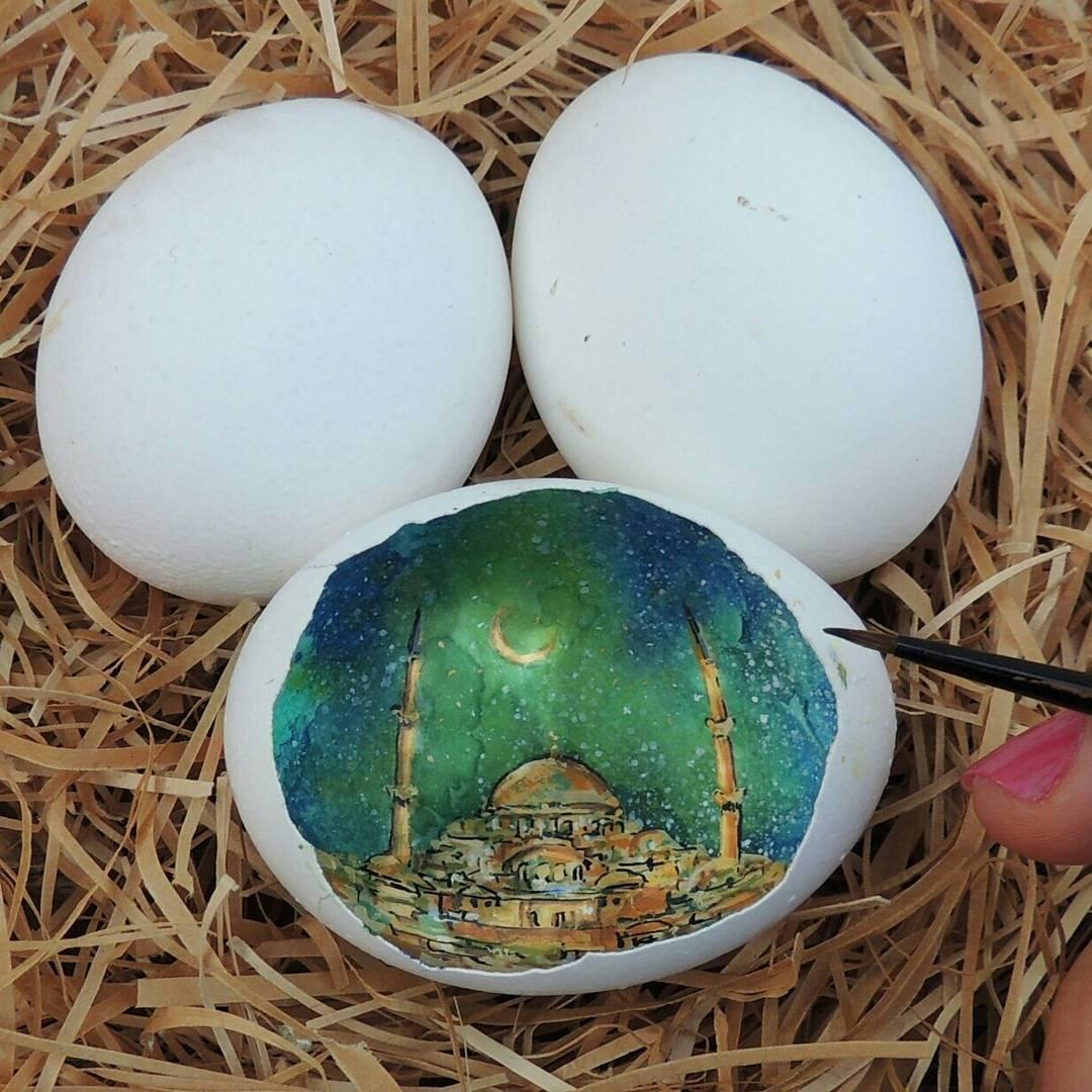 Картины внутри яичной скорлупы от Сурейи Ноян