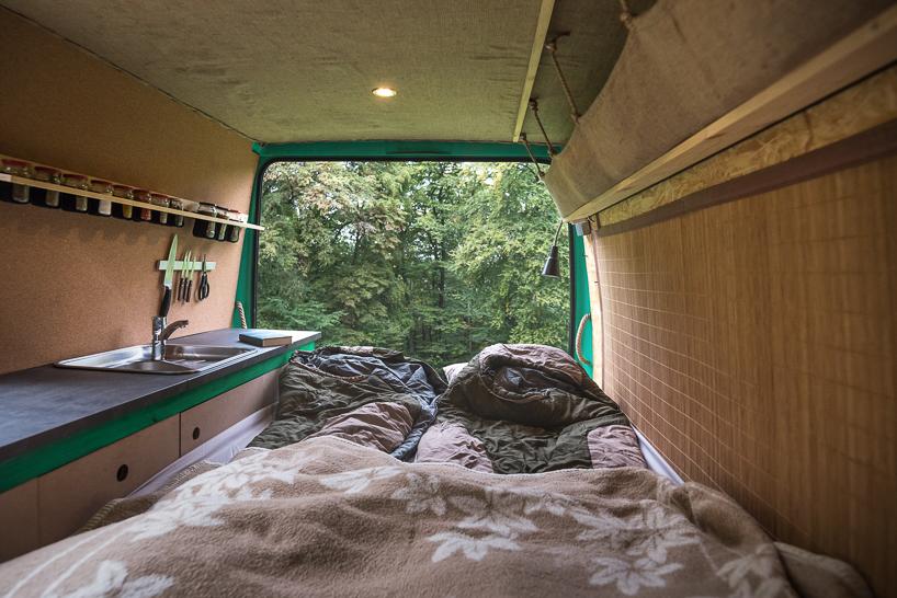 Как сделать дом на колесах из фургона 19