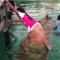 Маленькая девочка спасла тонущее каноэ своими удивительными способностями