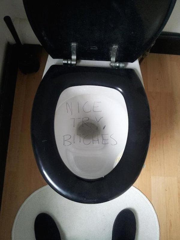Туалетные розыгрыши