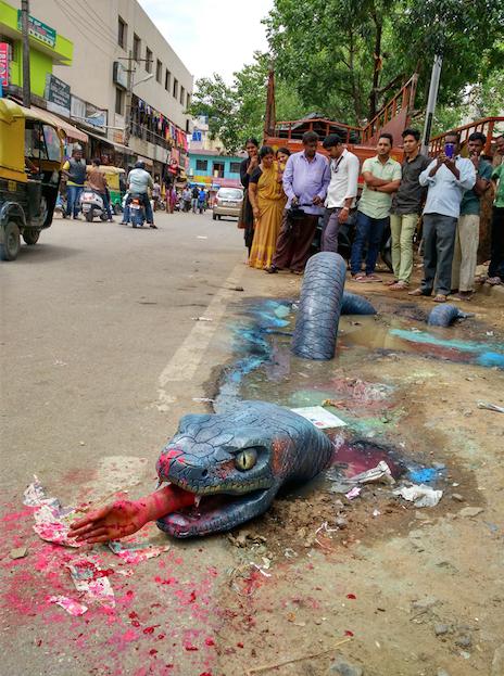 Страшные инсталляции города Бангалор