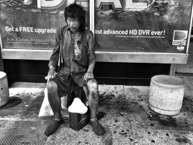 Фотограф сделала для себя шокирующее открытие, когда документировала бездомных Гонолулу