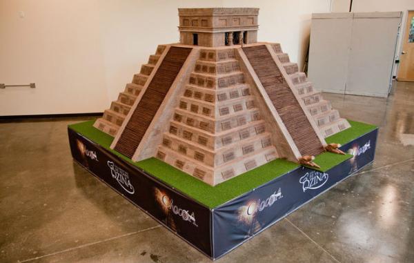 Крупнейшая шоколадная скульптура