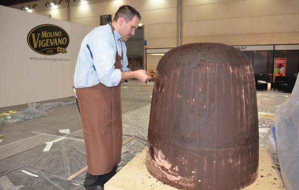Крупнейший шоколадный трюфель