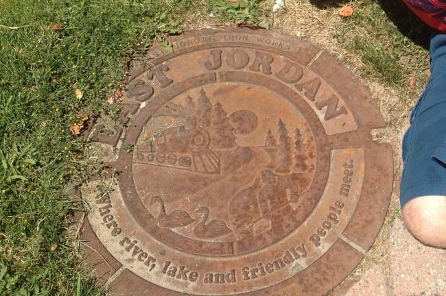 Крышка канализационного люка из Ист Джордана