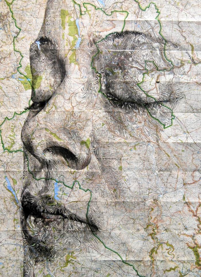 Географические карты в качестве холста