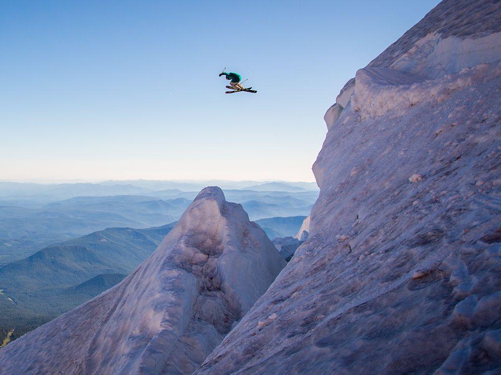 Катание на лыжахна гореХуд. Штат Орегон, США