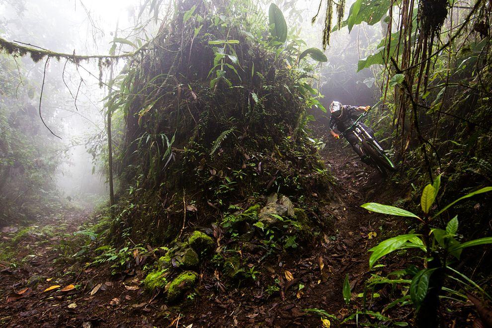 Езда на велосипедепотрассе Мама Руми. Эквадор