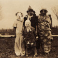 Действительно страшные костюмы на Хэллоуин из прошлого