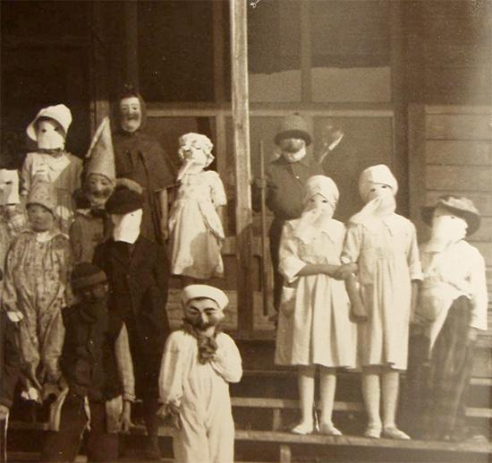 Костюмы на Хэллоуин из прошлого