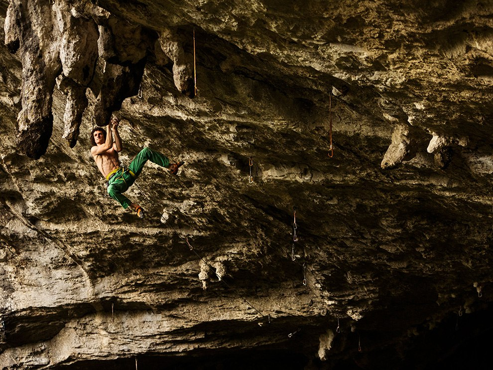 Скалолазание впещере Балзола. Испания