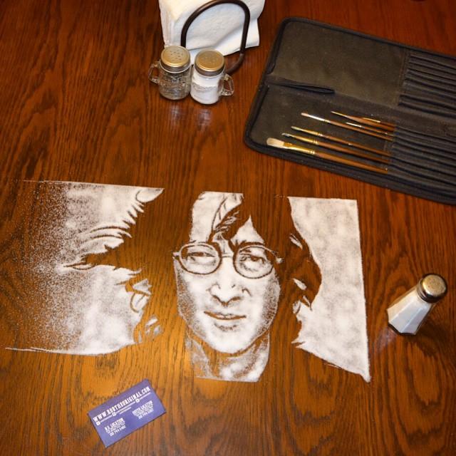 Портрет Джона Леннона из соли от Роба Феррела