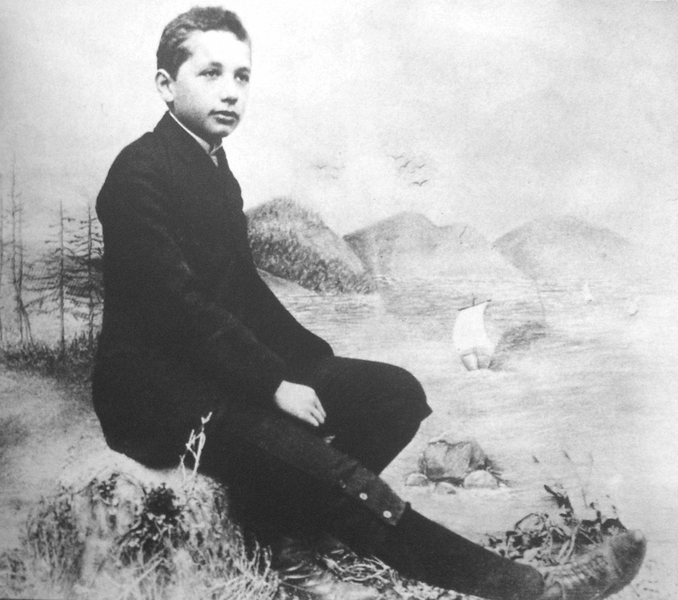 Альберт Эйнштейн - физик-теоретик
