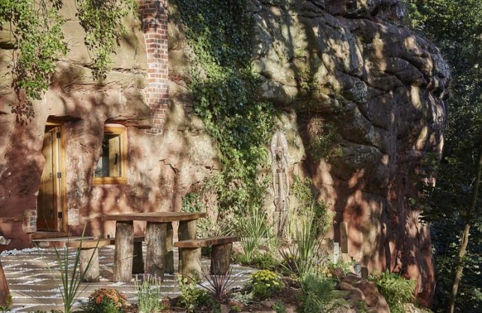 дом из 800-летней пещеры