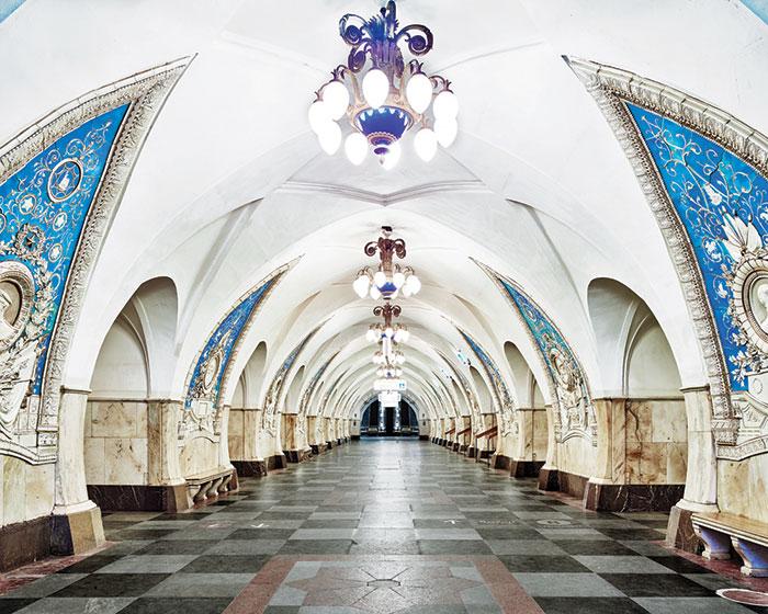Фотографии российских станций метро без людей от Дэвида Бурдени