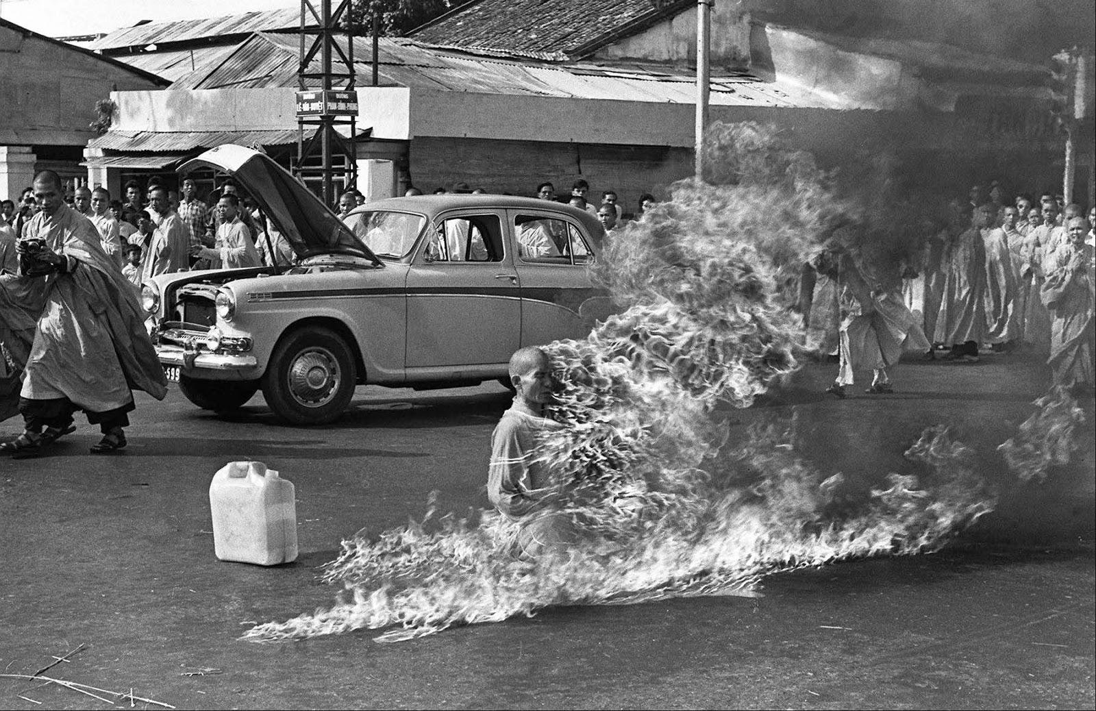 Южновьетнамский буддийский монах, совершивший акт самосожжения в 1963 году