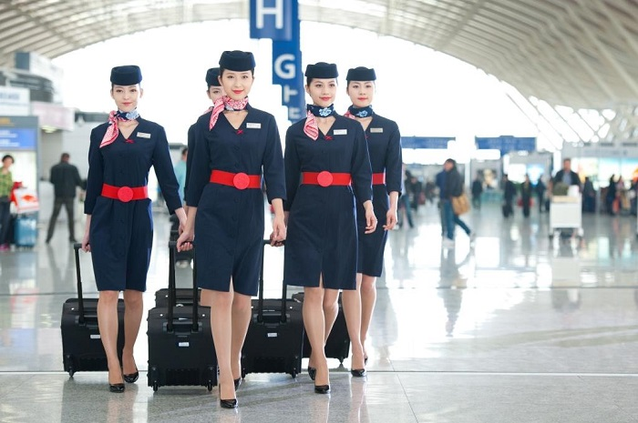 Униформа стюардесс China Eastern Airlines