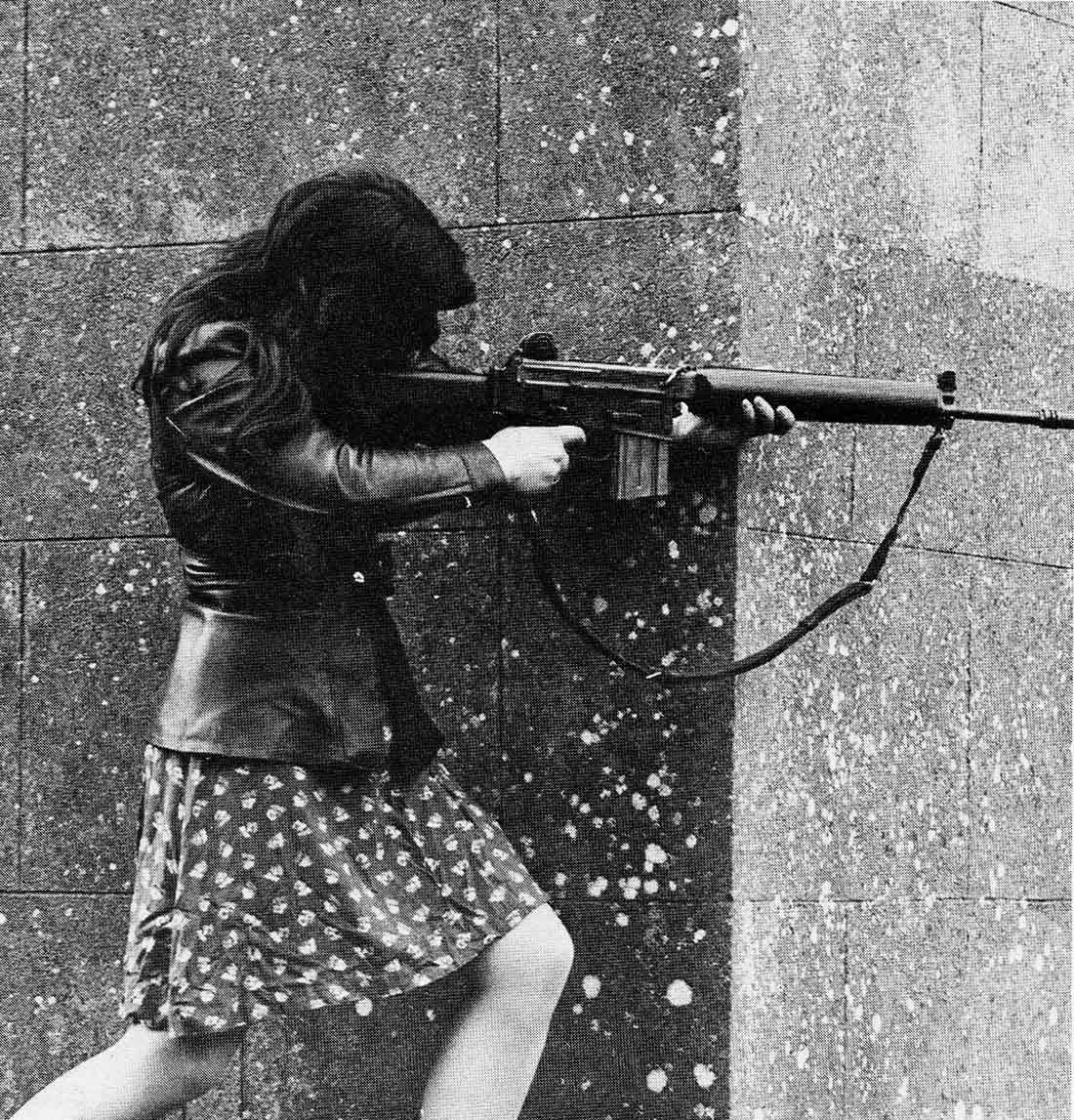 Женщина-боецИрландской республиканской армии (ИРА),1970-ые
