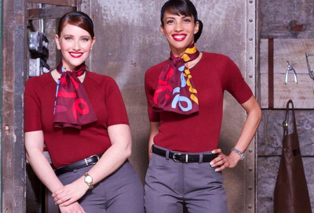 Униформа стюардесс Air Canada Rouge