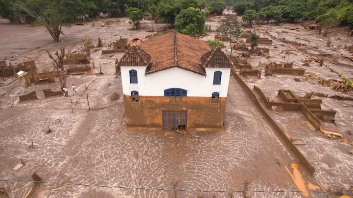 Церковь, Паракату, Минас-Жерайс, Бразилия